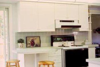 Wat is beter vir kombuis vloere, porselein of keramiek teël?
